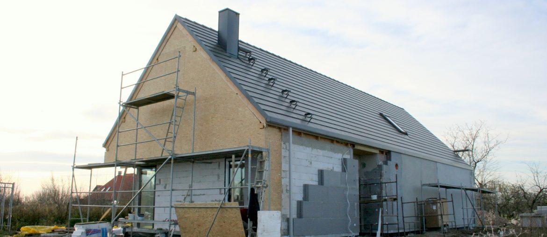 Elewacja – ocieplenie budynku styropianem i wykonanie tynku