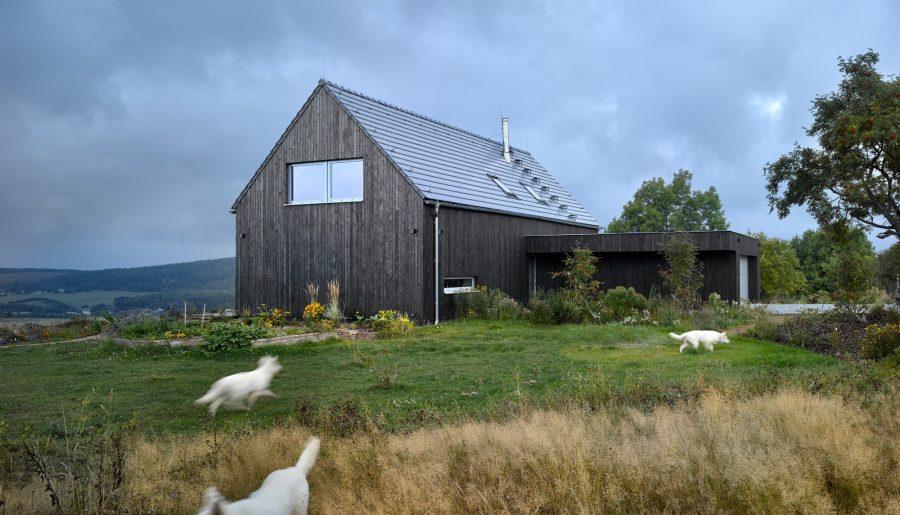 Dom pasywny typu Stodoła inspiracje z czeskiego Mníšek