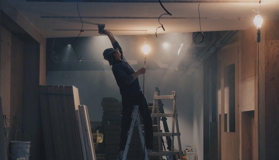 Budowa domu. Co powinna zawierać umowa o roboty budowlane?