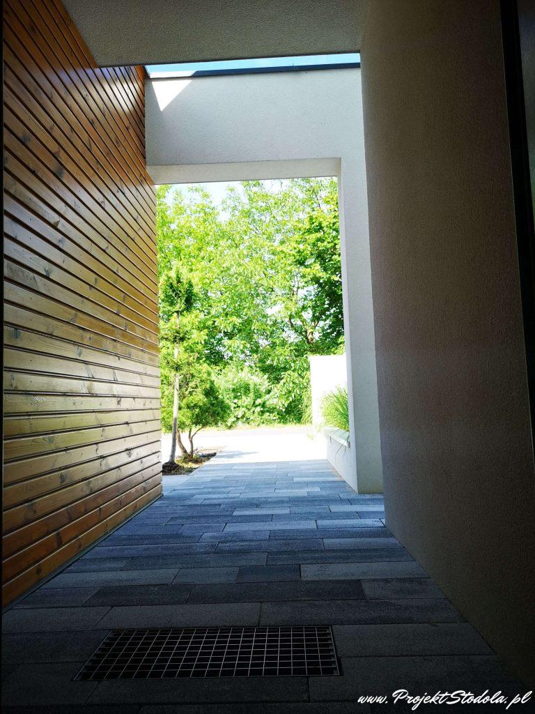 wejście do domu Projekt Stodoła